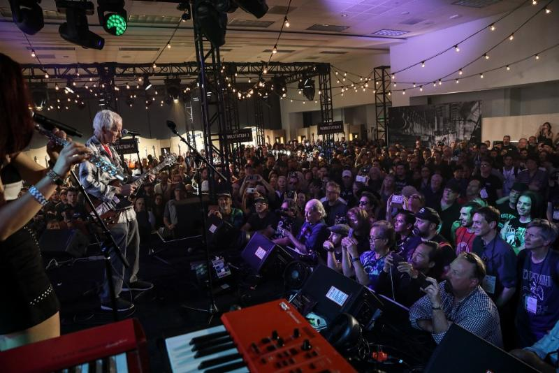 Robby Krieger (The Doors) performs for fans at the GIBSON